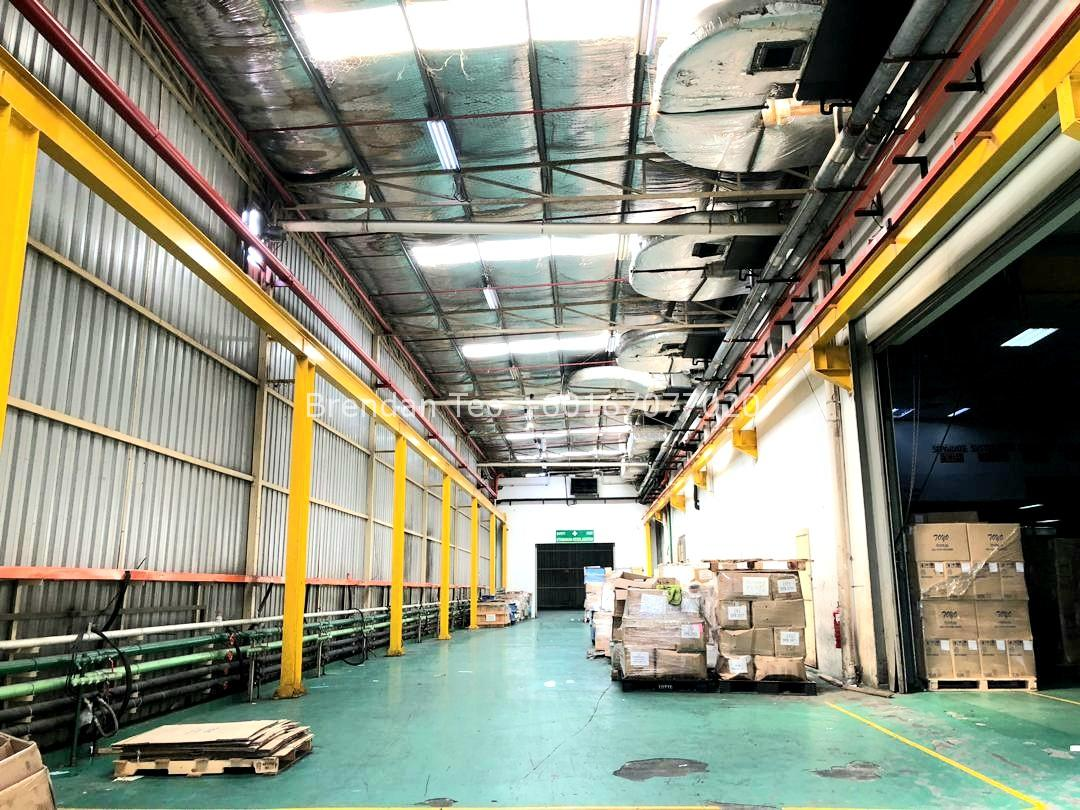 Johor Factory Malaysia Industry 20200228_131845 Desa Cemerlang Medium Ind.Factory with HT Power and Overhead Crane For Sell (PTR156 B)